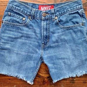 Levi's 514 mid rise cutoff shorts size 28